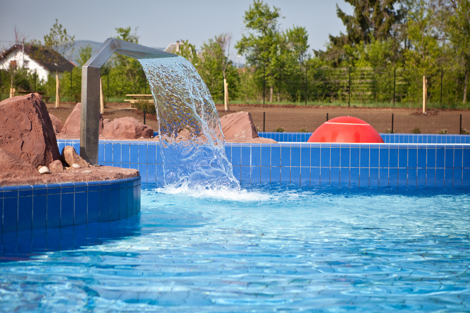 Piscine offenburg find out more camping le moulin de for Restaurant piscine obernai